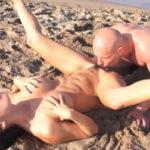 imagen Teniendo sexo en la orilla del mar