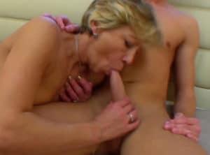Las lecciones sexuales de su tía materna
