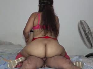 Culona mexicana montando la verga de su marido